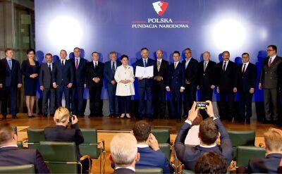 Polska Fundacja Narodowa płaciła za byłego doradcę Macierewicza