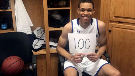 """Rzucał jak """"Szczudło"""", uzbierał w meczu 100 punktów. """"Bracie, zostałeś legendą"""""""