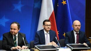 """Morawiecki zaproponuje rozwiązania rodem z """"bardzo fajnego kraju"""""""