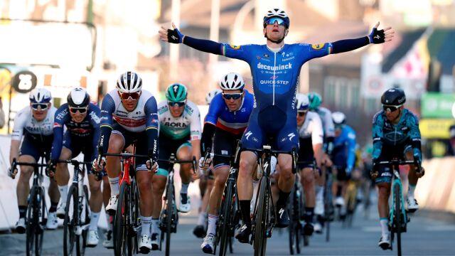 Mocne otwarcie Bennetta w wyścigu Paryż-Nicea. Trzecia wygrana na starcie sezonu