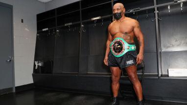 Tyson palił marihuanę przed walką.
