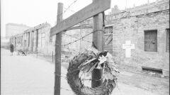 Pamiątkowy krzyż dla jednego z uciekinierów