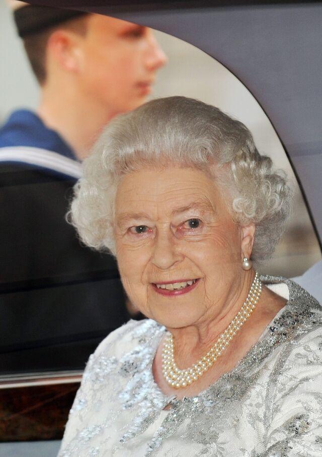 Tajemnice prababki Elżbiety II   w internecie