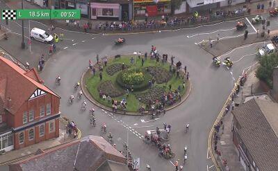 Komiczna pomyłka na Tour of Britain. Pomylili drogę, musieli omijać samochody