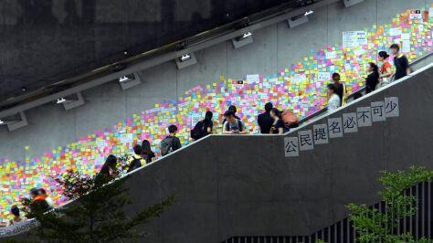 """""""Oczyszczali"""" miasto ze ścian Lennona. Doszło do przepychanek"""