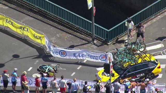 Ściąłzakręt i zahaczył o barierkę. Groźny wypadek Belga w Tour de France