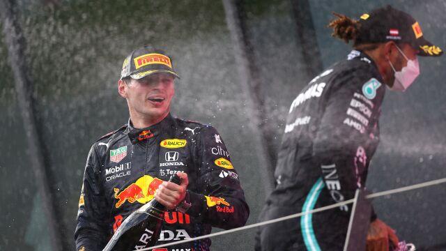 """""""Tak zdenerwowany, że nie mogę spać"""". Verstappen żartuje z zaczepki Hamiltona"""