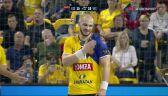 Czerwona kartka dla Artsema Karaleka w 1. połowie meczu z Veszprem