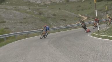 Przerażający upadek na trasie Giro d'Italia.