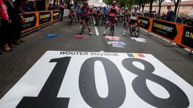 Pędził 80 km/h, zahaczył o murek. Od tragicznego dnia na Giro minęło dziesięć lat