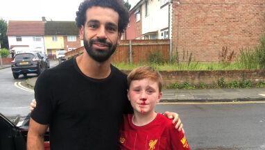 Zobaczył Salaha, wpadł na latarnię.