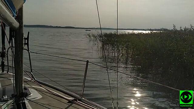 Wypadli z motorówki na jeziorze Kisajno. Poszukiwania 39-latka wznowione