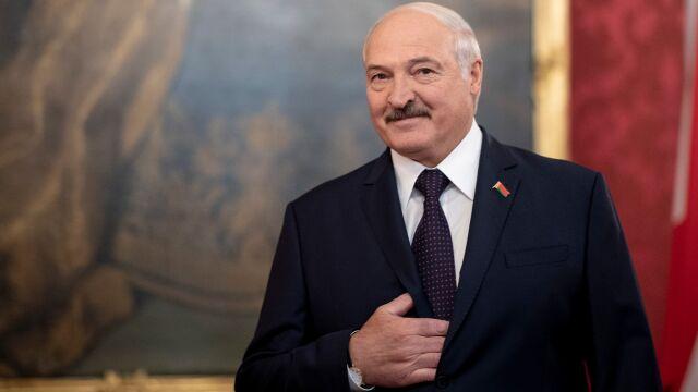 Długie głosowanie w kraju Łukaszenki. Opozycja: na noc urny zostają bez kontroli