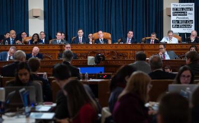 Kongres rozpoczął publiczne przesłuchania w sprawie impeachmentu Trumpa