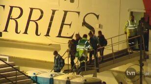 Do stolicy Malty, przybił wynajęty przez władze USA prom (Reuters)