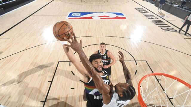 Zablokował rywala jednym palcem. Niesamowita akcja w NBA