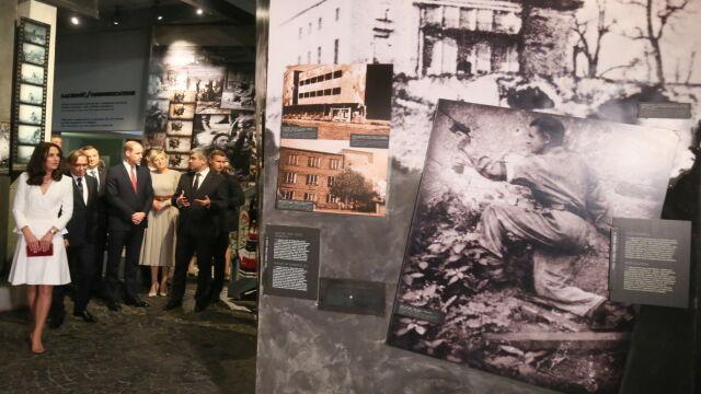 Książęca para zwiedziła  Muzeum Powstania Warszawskiego