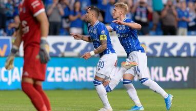 Efektowne zwycięstwo i dwa gole Lecha w dziesiątkę