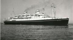 Sylwetka Batorego nie zmieniła się istotnie przez całą służbę. Statek nigdy specjalnie nie dymił, bo napędzały go silniki dieslowskie, a nie turbiny parowe
