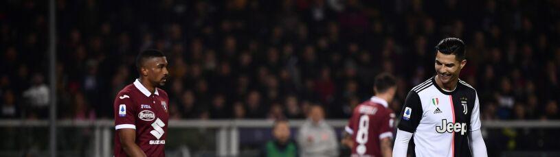 Ronaldo zaśmiał się pod nosem. Żałosna próba wymuszenia faulu