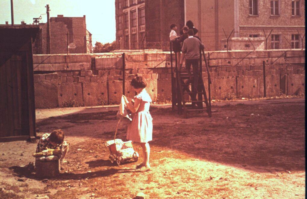 Życie codzienne za Murem Berlińskim