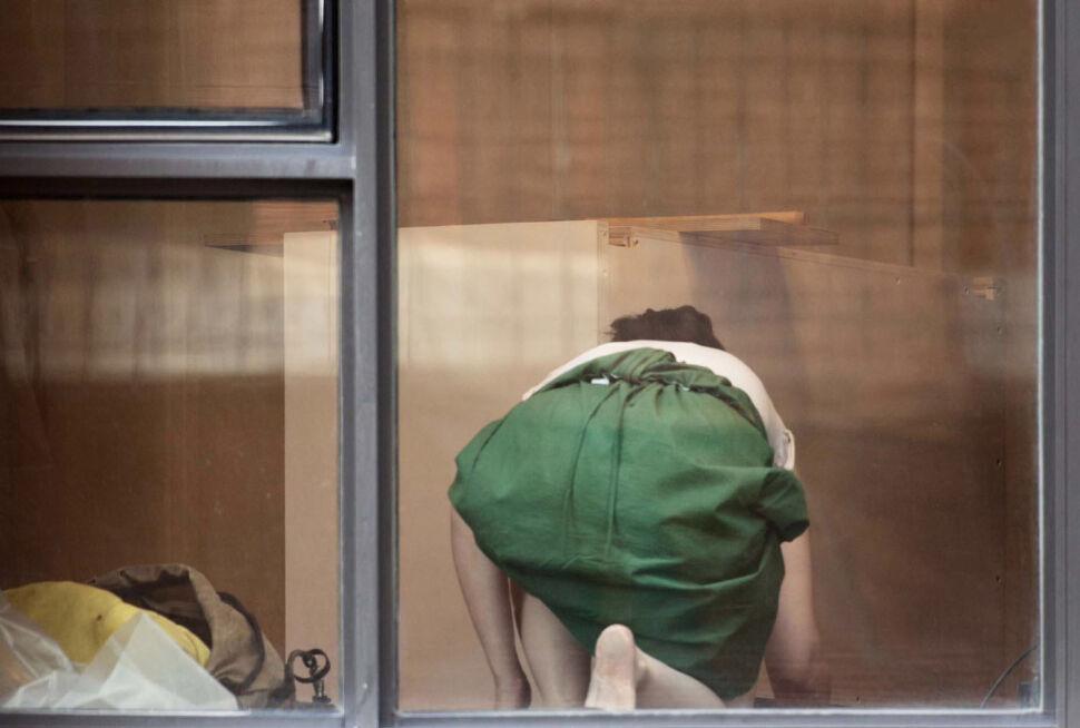 Potajemnie fotografował sąsiadów przez okno. Stanie przed sądem?
