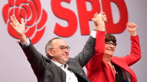 Niemieccy socjaldemokraci zatwierdzili nowe szefostwo. Dwie osoby na czele partii