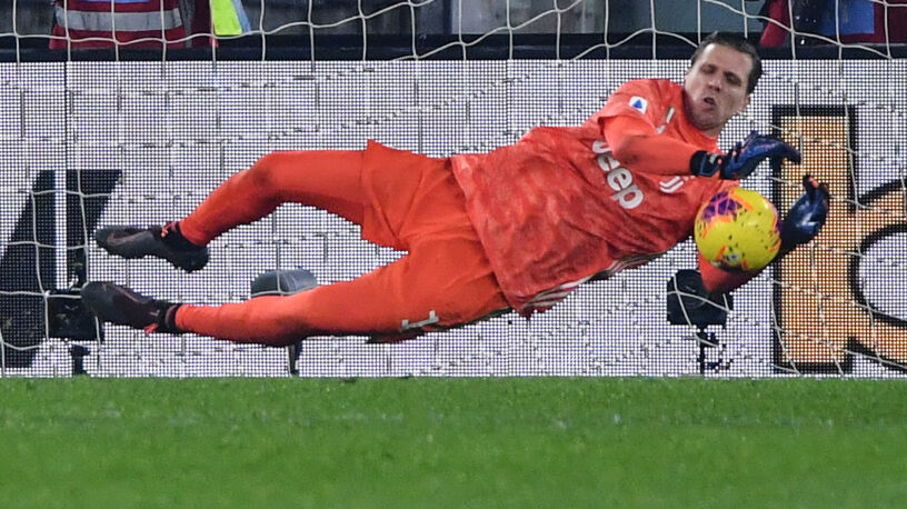 Szczęsny kapitalnie obronił rzut karny. Juventusu i tak nie uratował