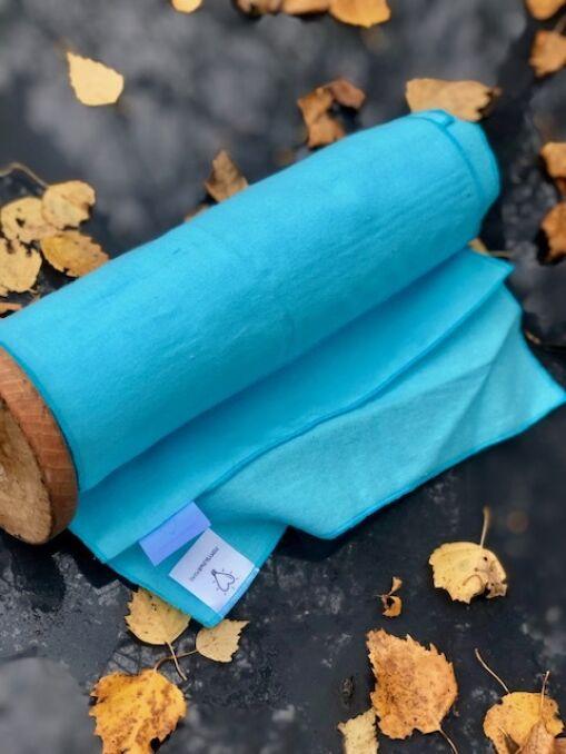 """Ekologiczny papier prezentowy, czyli """"ZaPapier"""" można kupić w turkusie, szarości lub fiolecie"""