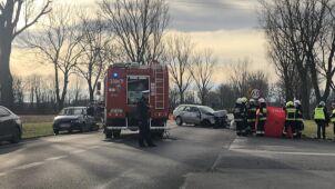 Jedna osoba nie żyje, trzy są ranne. Wypadek na krajowej