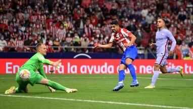 Kolejny mecz, kolejna porażka w słabym stylu. Atletico wypunktowało Barcelonę