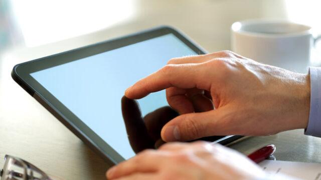 W samolotach LOT-u będzie można używać tabletów i smartfonów