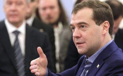 Miedwiediew ogłasza listę sankcji