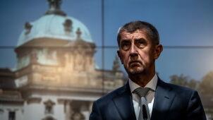 Premier Czech ma problemy, mówi o ataku na całe państwo