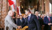 """""""Przekażcie sobie znak pokoju"""". Duda i Wałęsa podali sobie ręce"""