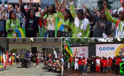 Pielgrzymi z całego świata śpiewająco radzą sobie z językiem polskim. Nagrania Reporterów 24