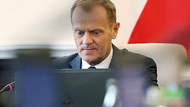 Przegląd prasy: Koalicja PO-SLD? Tusk: Sojusz Millera wydaje się, przy wszystkich garbach, partią umiarkowaną i obliczalną