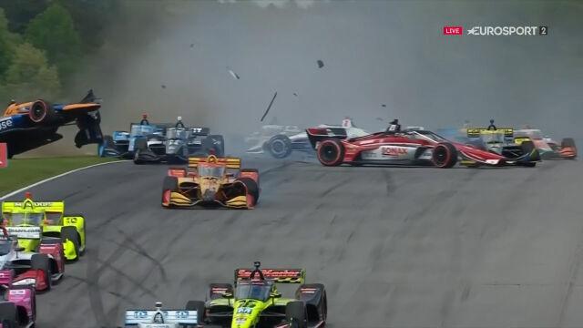 Kraksa już na początku Grand Prix Alabamy