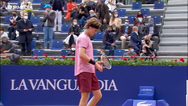 Rublow pokonał Ramosa-Vinolasa w 3. rundzie turnieju ATP w Barcelonie