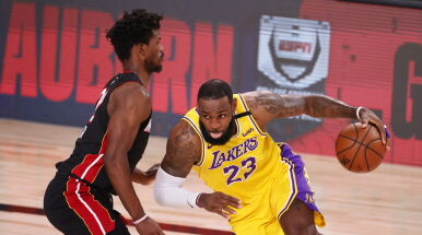 Ruszył wielki finał NBA. Lakersi na prowadzeniu