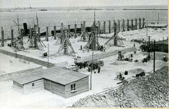 Budowa  przylegającego do dworca Magazyny Tranzytowego, 1931 r.