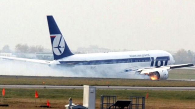 """Boeing wylądował bez podwozia. """"Pilot zrobił coś kapitalnego"""""""