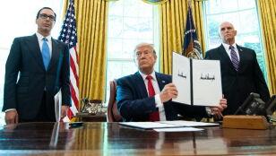 """Odpowiedź na """"serię agresywnych zachowań"""". Trump nakłada nowe sankcje"""