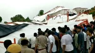 Silny wiatr powalił namiot podczas modlitwy. Nie żyje kilkanaście osób