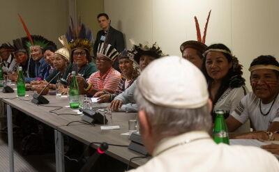 Brazylijscy tubylcy na prywatnej audiencji u papieża Franciszka