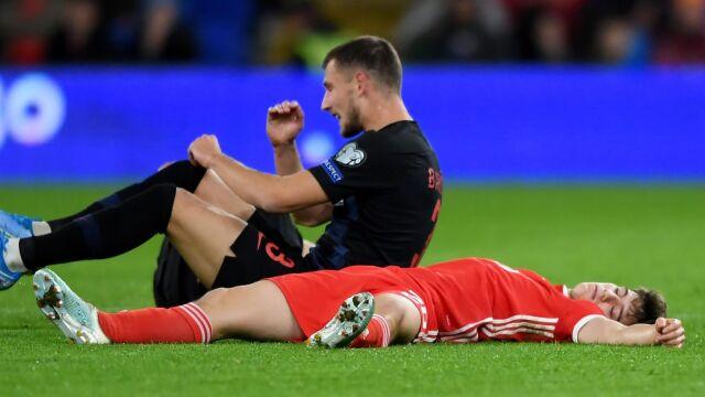 """""""Leżał na murawie, bo trochę udawał"""". Specjaliści zszokowani słowami Ryana Giggsa"""