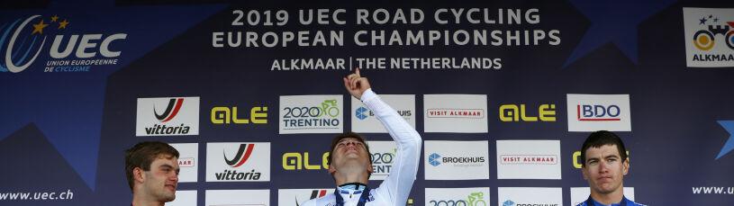 Łzy na podium. Belgijski kolarz zadedykowałmistrzostwo zmarłemu koledze