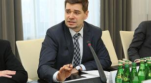 Grabarczyk chce rozejmu z Seremetem. I dlatego odwołuje swojego wiceministra