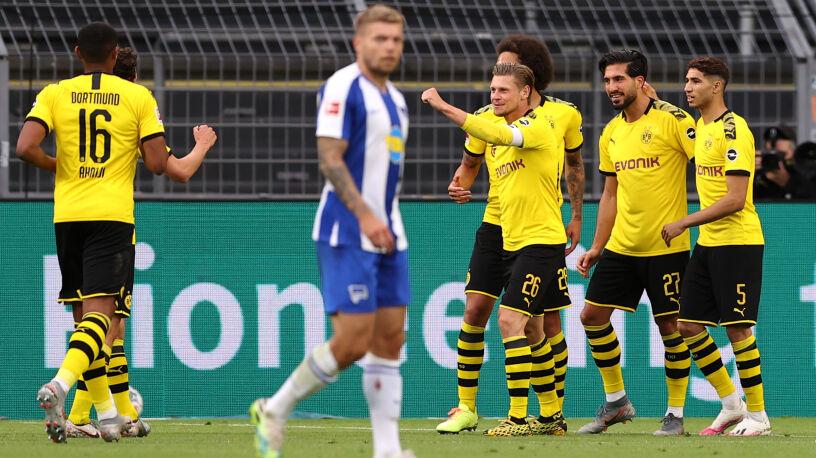 Piszczek lepszy od Piątka. Borussia nie odpuszcza