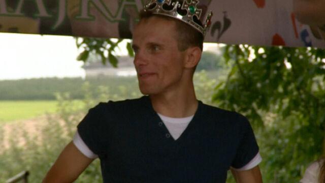 """Królewskie powitanie Majki. Było """"Sto lat"""", korona i... jabłka"""